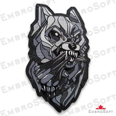 The embroidered patch Fanged Wolf turned to right