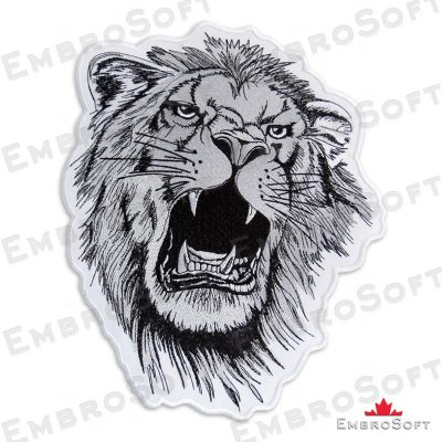 The embroidered pacth Gnarling Lion turned to right