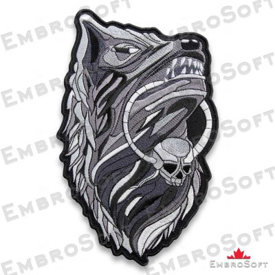 The embroidered patch Wolf with Amulet in right rotation
