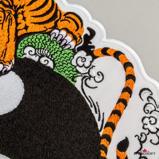 Yin Yang tiger mackro