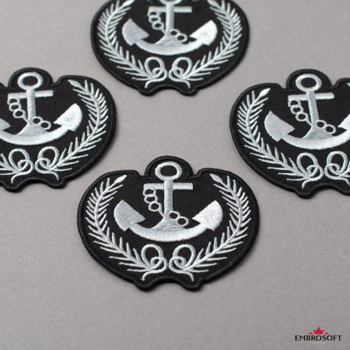 Embroidered Anchor with Springs gray