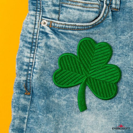 Irish green clover emblem embroidered patch for jeans